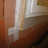 sigillatura finestre con nastrature